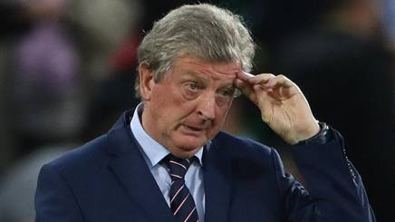 Il c.t. della nazionale inglese, Roy Hodgson, ha un'espressione preoccupata. Lapresse