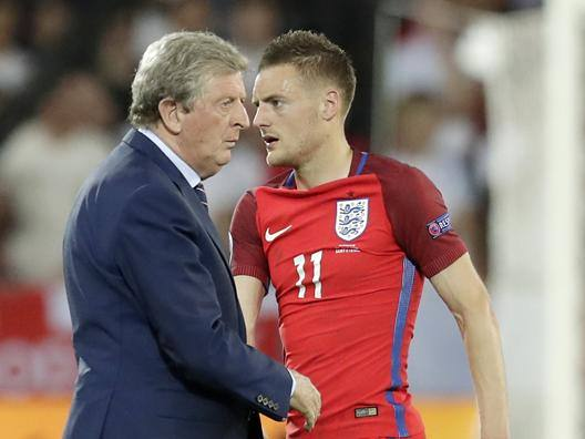 Jamie Vardy, attaccante del Leicester, con Roy Hodgson, c.t. dell'Inghilterra. Ap
