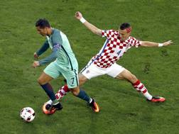 Duello tra Perisic e Cristiano Ronaldo. Ap