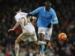 Yaya Tour�, 33 anni, al Manchester City dal 2010, dove ha gi� lavorato con Roberto Mancini. Ansa