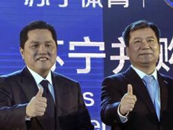 Erick Thohir e Zhang Jindong. Ap