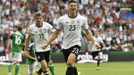 Il centravanti tedesco Mario Gomez. Ap