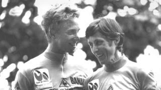 Greg LeMond e Maria Canins sul podio del Tour de France 1986