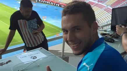 Marko Pjaca, 21 anni,  in versione tifoso prima di Vardar-Dinamo Zagabria. Epa