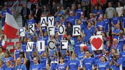 Tifosi francesi a Trinec (R. Ceca) per la sfida di Coppa Davis. Ap