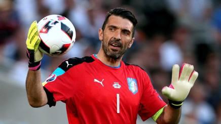 Gianluigi Buffon, 38 anni. Forte