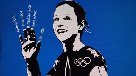 La maglia celebrativa per le 5 Olimpiadi di Eleonora Lo Bianco