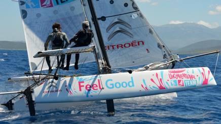 Vittorio  e Nico Malingri, in navigazione sul suo catamarano