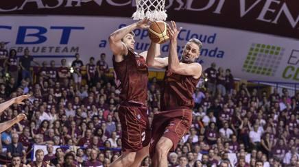 Jeff Viggiano e Tomas Ress (Umana Reyer Venezia) durante Campionato 2014/15 Serie A CIAMILLO