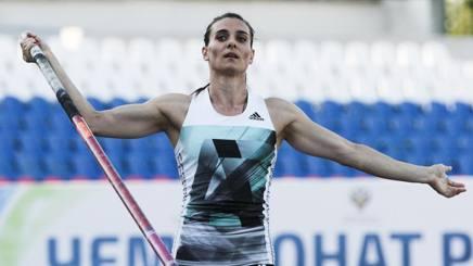 Yelena Isinbayeva, 34 anni, due ori e un bronzo olimpici nell'asta AP