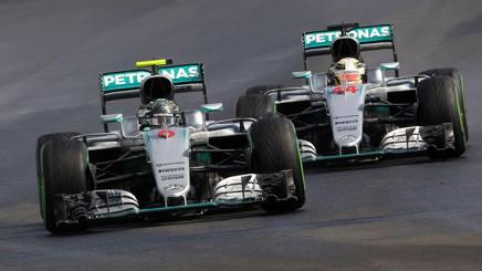 I primi tre qualificati per il GP d'Ungheria. Da sinistra: Lewis Hamilton, 31 anni, Nico Rosberg , 31 anni,(che ha conquistato la pole) e Daniel Ricciardo, 27 anni. Getty