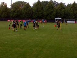 Il Milan si allena sul campo del centro sportivo Flames Field dell'University of Illinois di Chicago. Gasport
