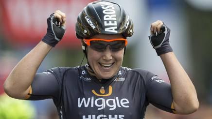Chloe Hosking, 25 anni, vincitrice sugli Champs Elysees. Ap