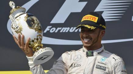 Lewis Hamilton, 31 anni, vince il Gp d'Ungheria. Epa