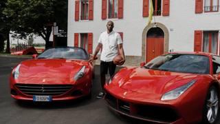 Kobe a Maranello prova le Ferrari