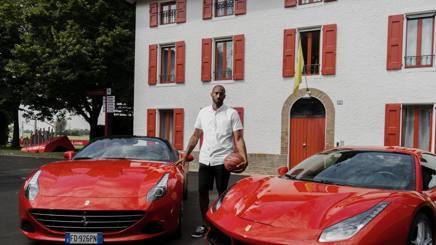 Kobe in visita alla Ferrari