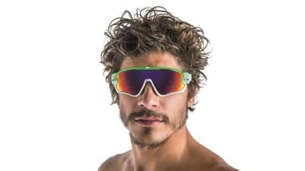 Alessandro Fabian, 28 anni, indossa occhiali Oakley