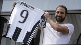 Gonzalo Higuain, 28 anni. Foto da Twitter