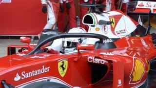 Sebastian Vettel prova l'Halo a Barcellona. Colombo
