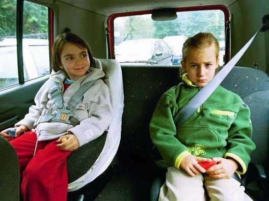 Bambini in automobile. Fotogramma