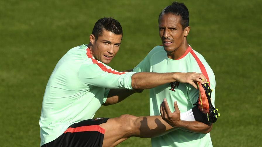 Cagliari, ecco Bruno Alves  Mi manda CR7... <br/> <b>Il difensore portoghese,...