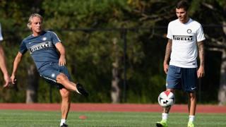 Roberto Mancini con Mauro Icardi. Getty