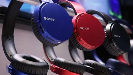 Le cuffie wireless Mdr-Xb650bt della nuova gamma Extra Bass di Sony: tre colori, fino a 30 ore di autonomia
