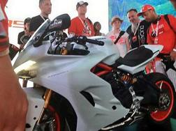 Una foto rubata della Ducati Supersport