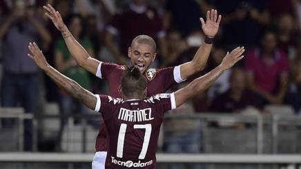Bruno Peres esulta con Martinez: un gol a testa nel 4-1 alla Pro Vercelli. LaPresse