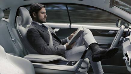 Auto a guida autonoma: ecco chi ci guadagna davvero