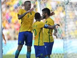 Luan festeggia il gol segnato all'Honduras nella semifinale olimpica. AFP