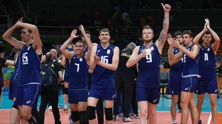 L'esultanza degli azzurri per la vittoria in semifinale sugli Usa AFP
