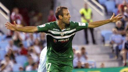 Il difensore -goleador Victor Diaz, 28 anni. Epa