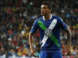 Luiz Gustavo, 29 anni, centrocampista brasiliano del Wolfsburg. Reuters
