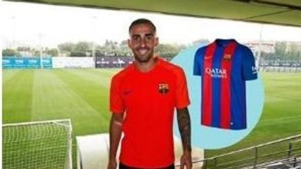 Alcacer sorride con la maglia del Barcellona ma il suo acquisto non era ancora stato ufficializzato