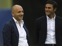 Il d.s. dell'Inter Piero Ausilio con il vicepresidente Javier Zanetti. Getty