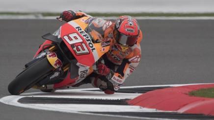 MotoGP, Libere3 Silverstone: acuto di Marquez, Vinales vicino; Rossi 10°