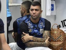 Gabigol, 20 anni, con la maglia del Santos. Twitter