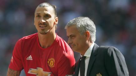"""Manchester United, Ibra prende lezioni da Mourinho: """"Studia per fare l'allenatore"""""""