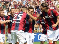 L'esultanza del Bologna: Cagliari sconfitto 2-1. Ansa