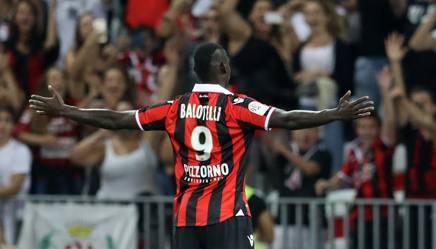 Nizza: Balotelli debutta in Ligue 1. Subito in gol su rigore