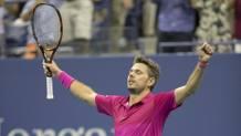 Ultimo punto a segno, Stan Wawrinka incredulo celebra la vittoria degli Us Open. Reuters