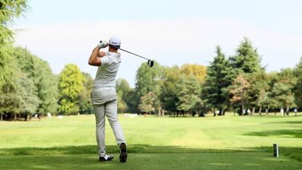 Golf, Open d'Italia: chiuso il primo giro a Monza poi nuovo stop per pioggia