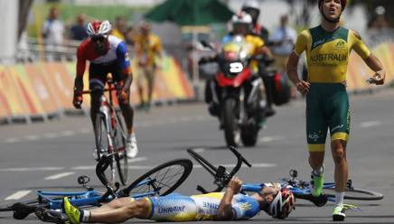 Paralimpiadi, ciclismo: cadono i due in fuga, Tarlao di bronzo senza sprintare