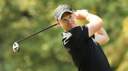 Golf, Open d'italia: pista bagnata e giro ancora interrotto ma Willett si fa vedere