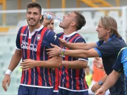 Marcello Trotta festeggia la rete del momentaneo 1-0. LaPresse