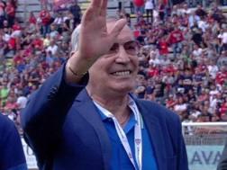 Gigi Riva saluta il Sant'Elia. Twitter