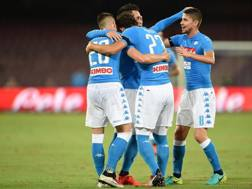 Festa Napoli dopo un gol di Callejon. Getty