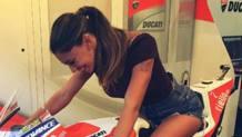 Belen Rodriguez, 32 anni, showgirl argentina, nel box della Ducati