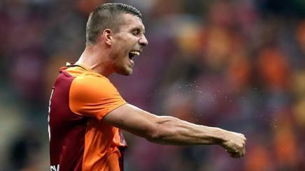 """Podolski e il taglio di Schweini: """"Mourinho, è una cosa indegna"""""""